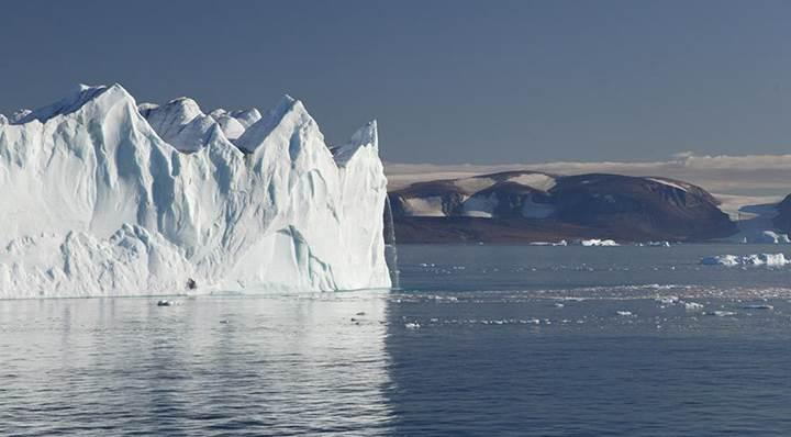 Bilim insanları uyardı: Antarktika hızla eriyor, 3.3 trilyon ton buzul denizlere karıştı