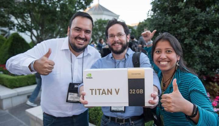 Nvidia Titan V CEO Edition ile tanışın