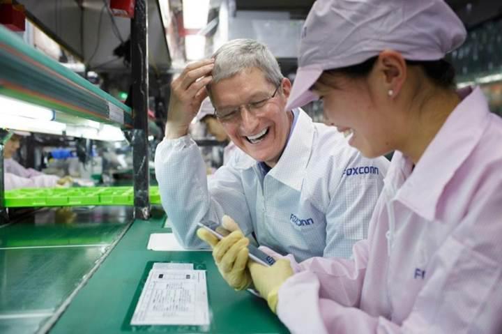 Trump istedi Foxconn temel attı: ABD'de iPhone fabrikası kuruluyor