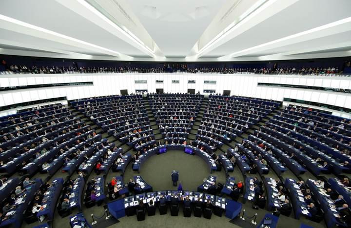 Avrupa Parlamentosu telif hakkı düzenlemesini reddetti