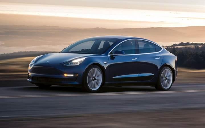 Tesla'nın otomatik park sistemi