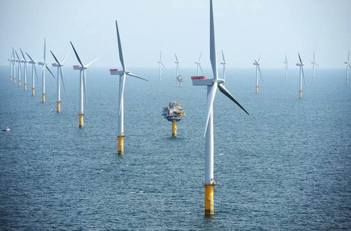 İskoçya'nın açık denizdeki rüzgar türbinleri elektrik üretmeye başladı