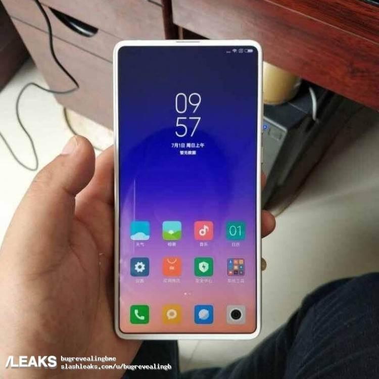 Xiaomi Mi Mix 3'ün yeni görüntüsü açılır-kapanır ön kameraya işaret ediyor