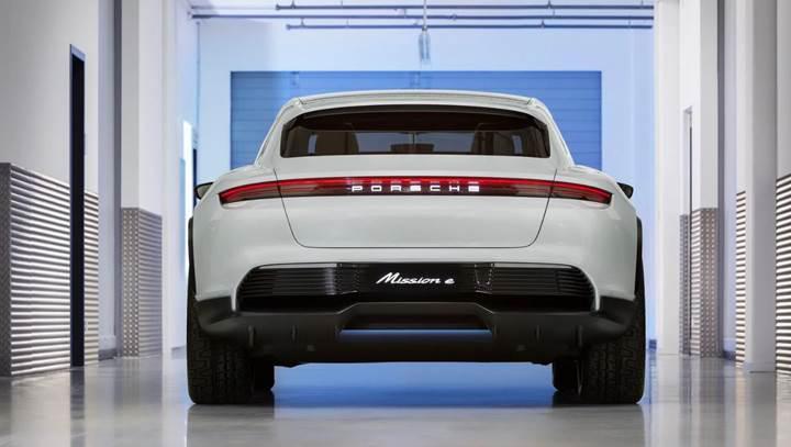 Porsche Mission E Cross Turismo'nun satışa çıkacağı tarih belli oldu