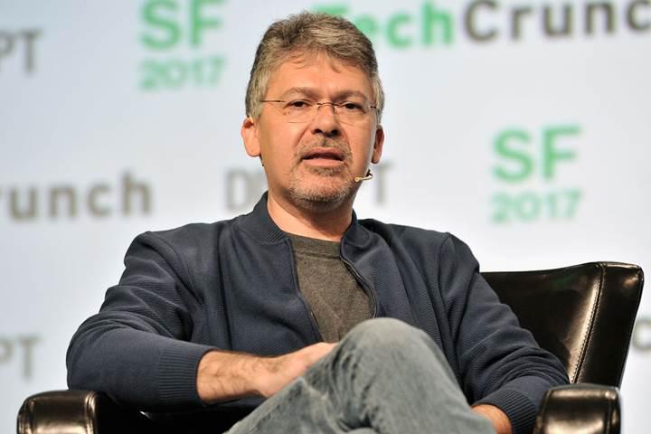 Apple, Google'ın eski yapay zeka uzmanını işe aldı