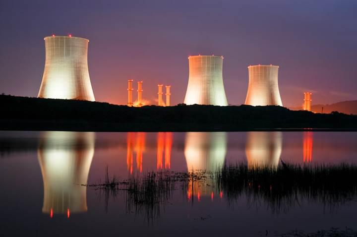Özbekistan nükleer enerjiye