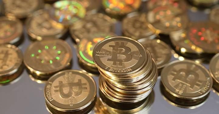 Bitcoin'in değeri 1 ay sonra yeniden 7000 doların üstünde