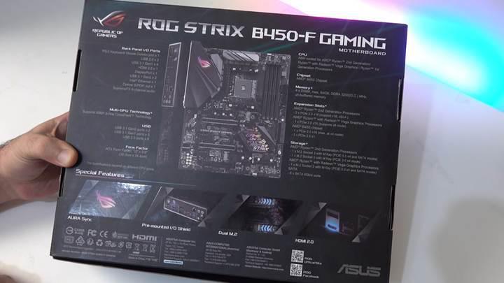 ASUS Rog Strix B450F Gaming Anakart Kutu Açılımı
