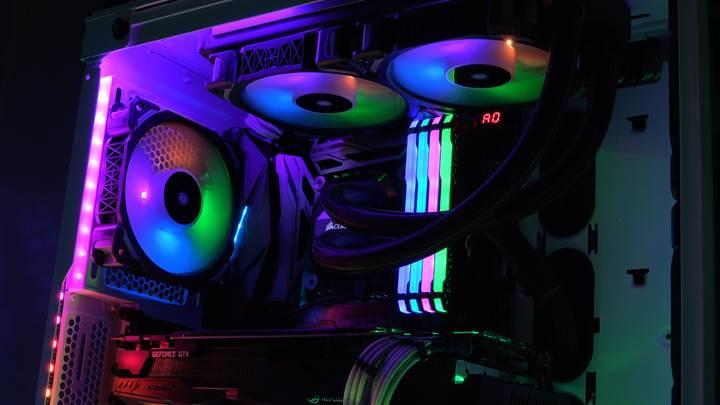 Corsair Vengeance RGB PRO RAM incelemesi