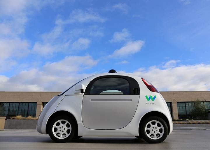 Waymo'nun otonom araçları her gün 40 bin kilometre yol katediyor