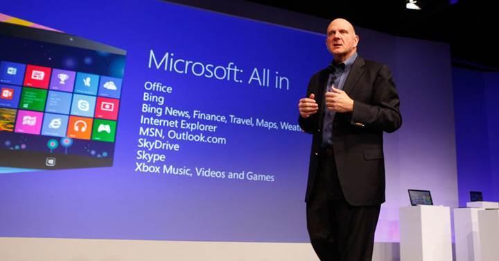 Steve Ballmer, Microsoft CEO'su Satya Nadella'nın performansını övdü