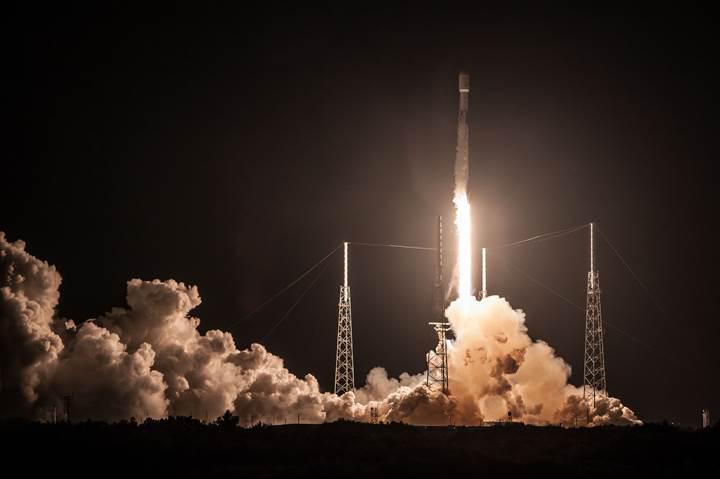 SpaceX, uzun bir sürenin ardından iniş denemesi yaptı: İşte görüntüler
