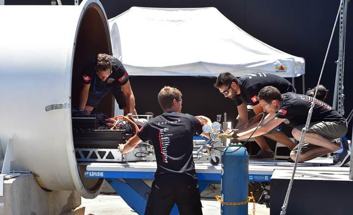 SpaceX hyperloop yarışmasında yeni rekor: Saatte 467 kilometre hız