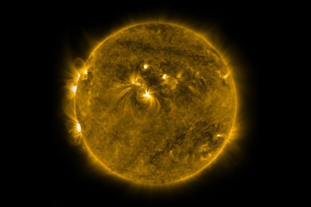 Güneş her 11 yılda bir 2 km büyüyüp küçülüyor
