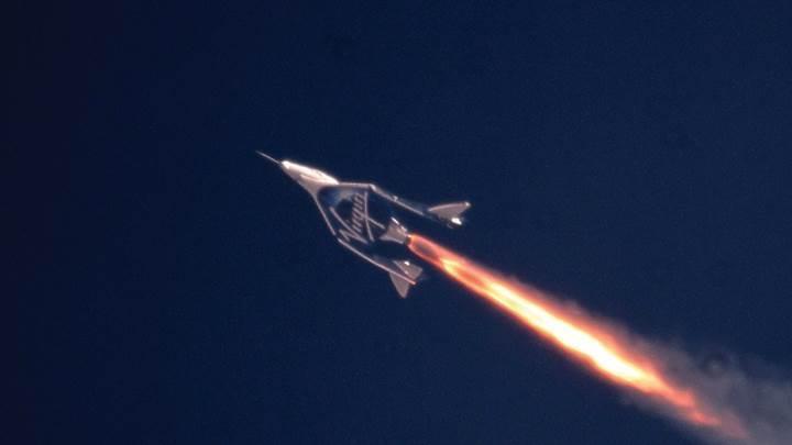 Virgin Galactic, test uçuşunda yükseklik rekoru kırdı