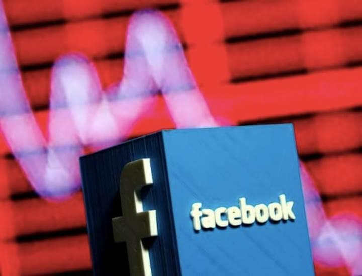 Facebook hissedarları Mark Zuckerberg'e dava açtı