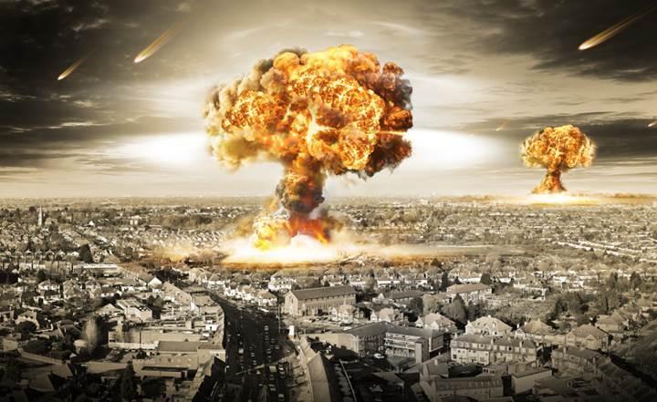 Japon öğrenciler Hiroşima'ya atılan atom bombasını sanal gerçeklikle yeniden canlandırdı
