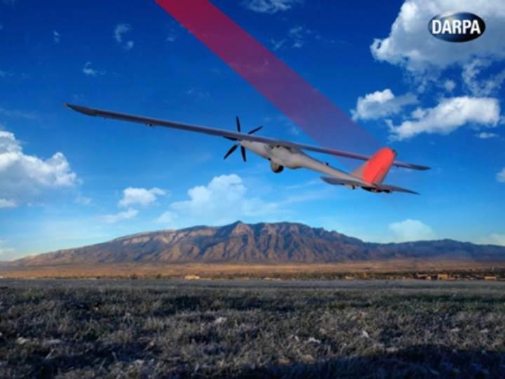 DARPA, İHA'ları sürekli havada tutmak için lazerle şarj edecek