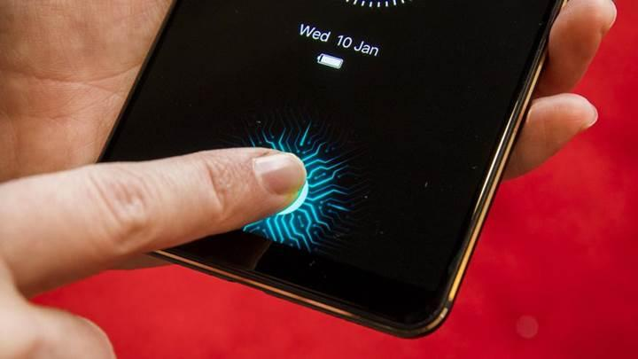 Orta üst seviye telefonlarda ekrana entegre parmak izi okuyucular yaygınlaşacak