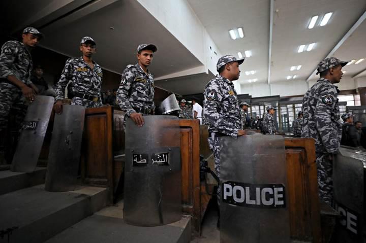 Mısır'da girdiğiniz siteler hapis cezası almanıza sebep olabilir