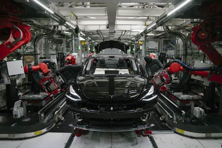 Elon Musk: Önümüzdeki üç yıl içinde 25 bin dolarlık bir Tesla üretebiliriz