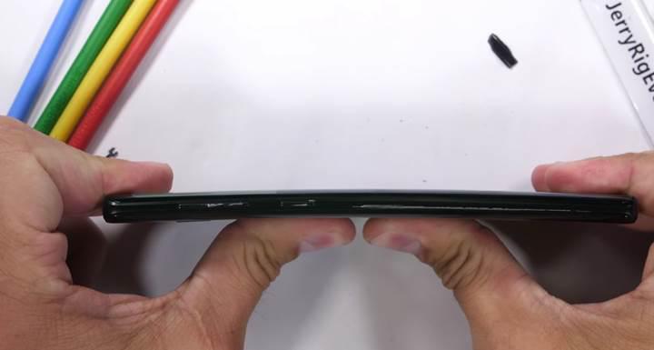 Galaxy Note 9 dayanıklılık testinde