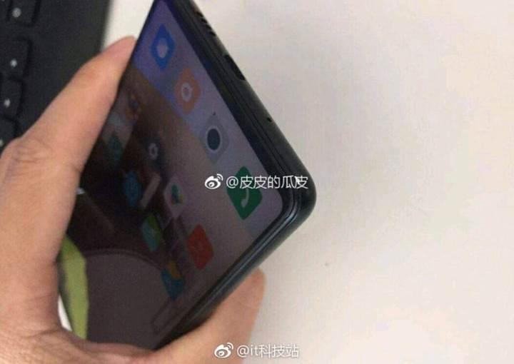 Xiaomi Mi MIX 3 görüntüleri sızdı: Tamamen ekrandan oluşan tasarım ve ekrandan parmak izi okuma