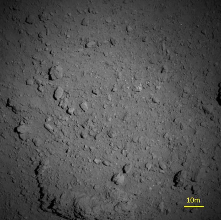 Hayabusa, 'Kozmik Elmas' Ryugu'nun yüzeyini görüntüledi