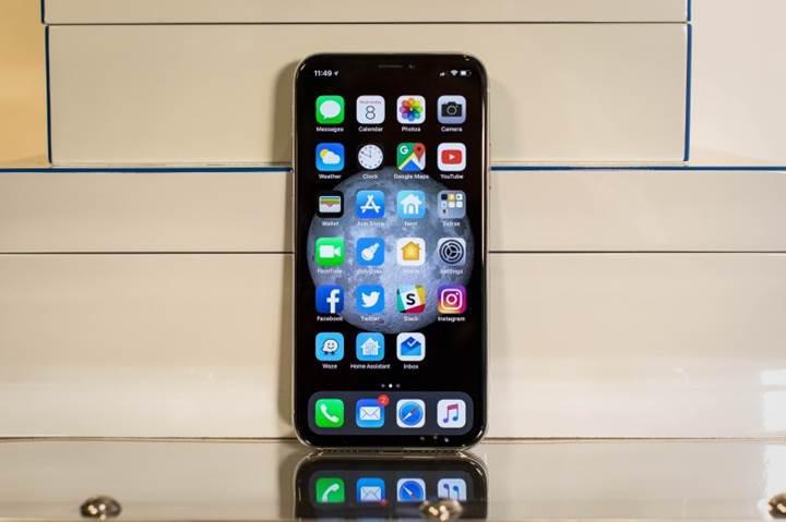 Yeni iPhone ekranları daha az güç tüketebilir