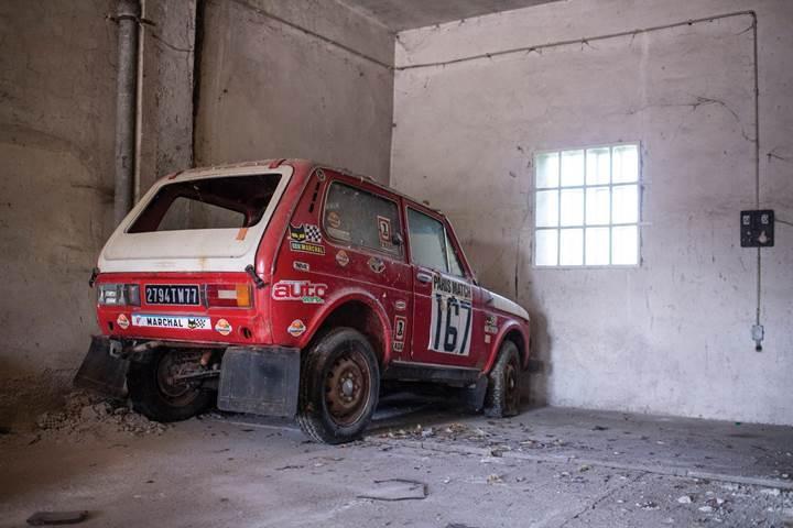 Garajda keşfedilen 1981 model Lada Niva'nın 100 bin dolara satılması bekleniyor