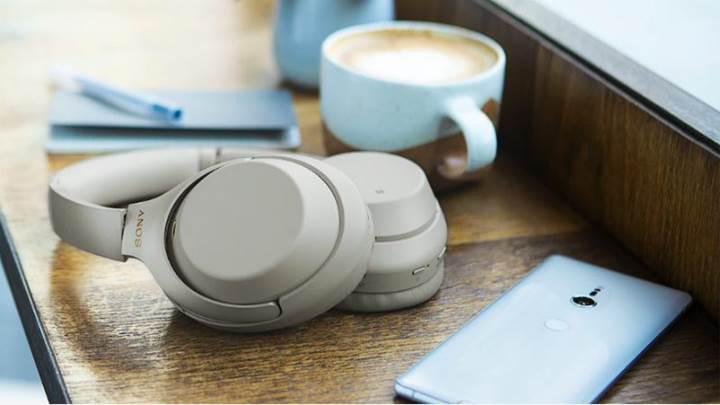 30 saat giden Sony WH-1000XM3 kulaklık modeli duyuruldu