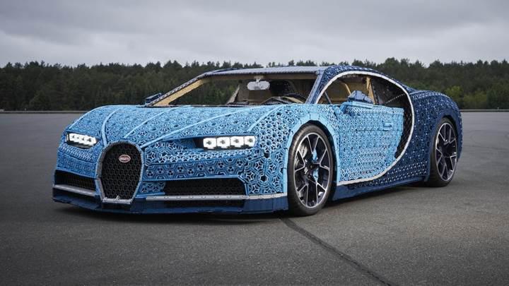 Orijinal boyutta tasarlanan Lego Bugatti Chiron 5 beygirlik motora sahip