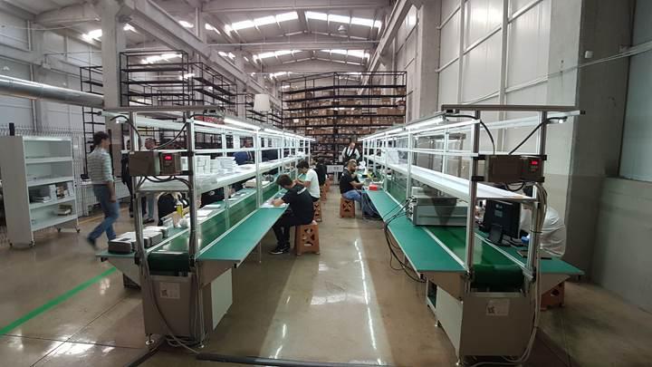 Reeder yerli telefon fabrikası açtı
