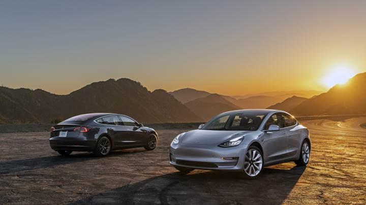 Amerika'da Tesla Model 3 satışları BMW'yi geçti