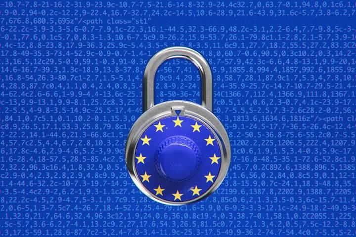 Avrupa Parlamentosu telif hakkı düzenlemesini bu kez onayladı