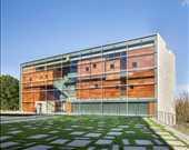"""""""Okullar"""" kategorisinde kazananlardan biri/Lewis Arts Complex, Princeton Üniversitesi"""