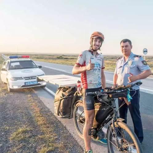 Güneş enerjili e-bisiklet yarışmasında 64 gün yol giden bir yarışçının öyküsü