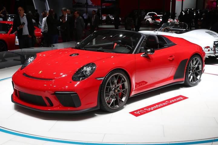 Paris Otomobil Fuarı'nda tanıtılan en iddialı spor arabalar