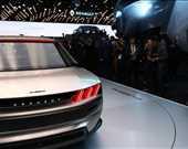 E-Legend'in üçlü arka farları orijinal 504'ün tasarımından izler taşıyor.