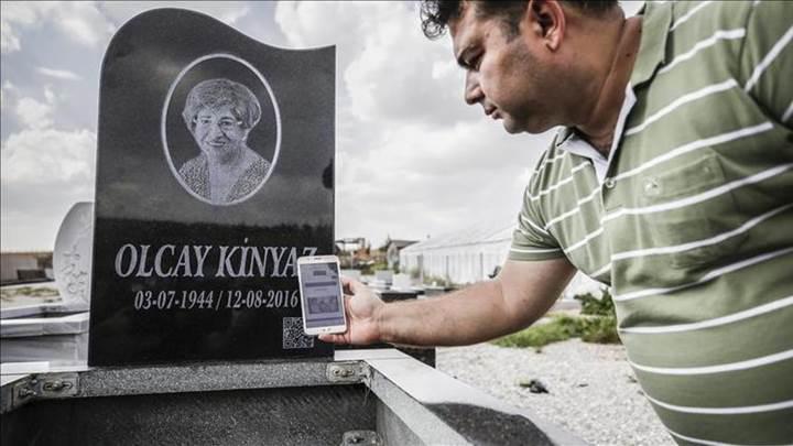 Türk firma mezar taşlarında karekod devrini başlattı