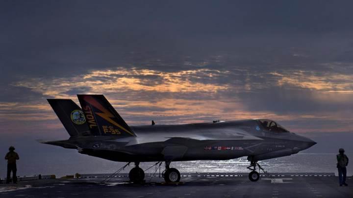 Pentagon F-35 uçuşlarını geçici olarak durdurdu