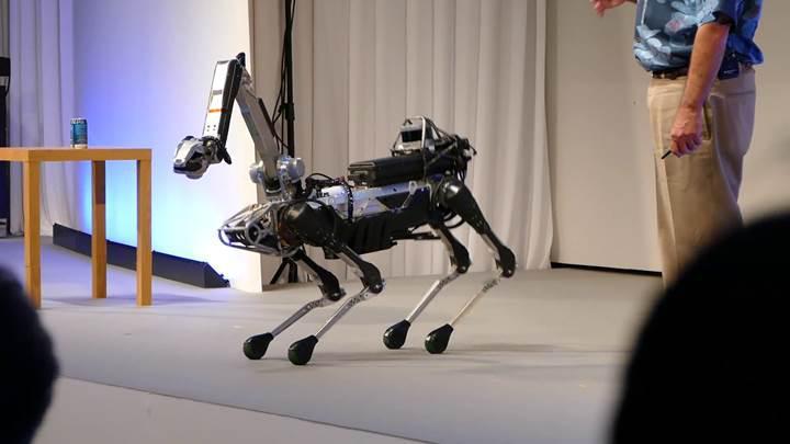 Boston Dynamics, robot köpek Spot'u şantiyelerde test ediyor