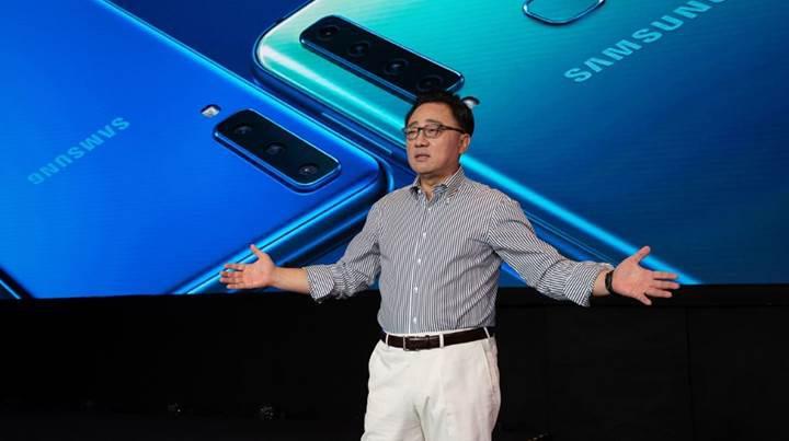 Samsung'un katlanabilir akıllı telefonu tablet olarak kullanılabilecek