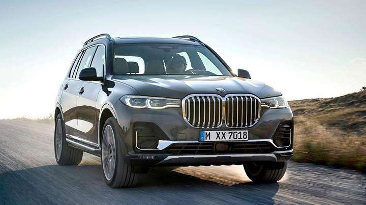 BMW yeni amiral gemisi SUV'sini tanıttı: 2019 BMW X7 ile tanışın