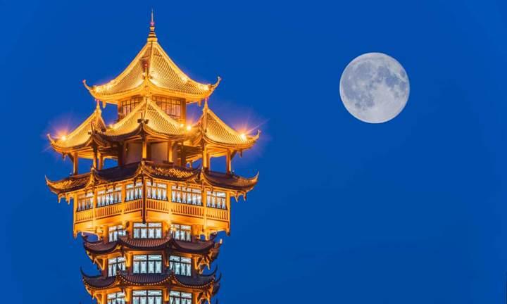 Çin, uzaya ''Yapay Ay'' fırlatmayı planlıyor