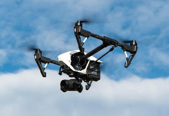 Drone ile uçak çarpışırsa ne olur? [Video]