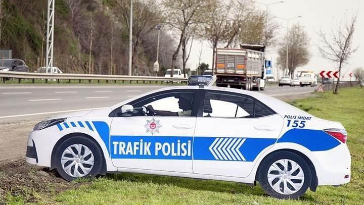 Maket polis araçları trafik kazalarını azalttı