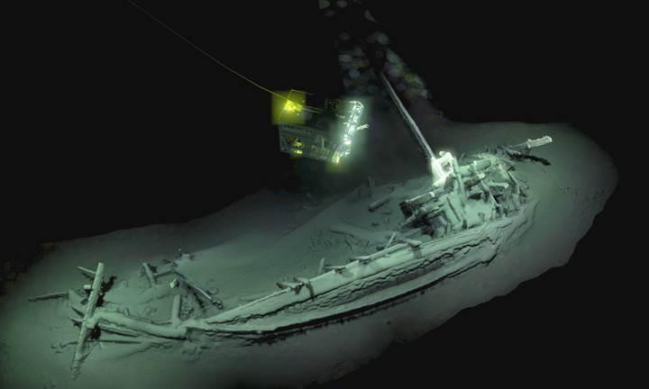 Tarihin bilinen en eski yekpare gemi enkazı Karadeniz'de bulundu