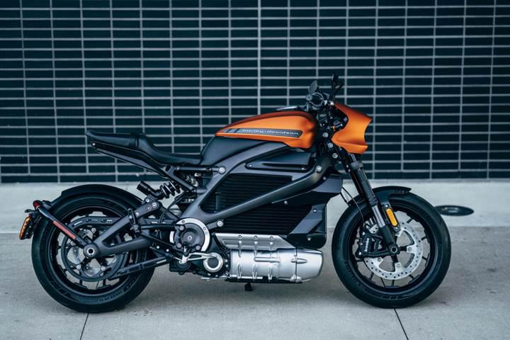 Harley-Davidson'un ilk elektrikli motosikleti LiveWire ile tanışın