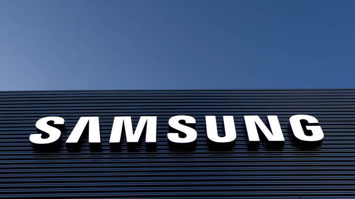 Samsung Galaxy R yenilenmiş olarak geri dönüyor